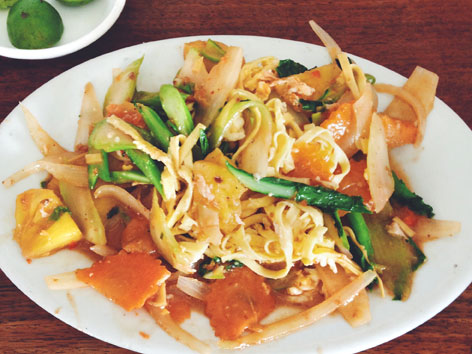Mee chaa, stir-fried noodles in Cambodia