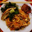 Phad Thai w/ Grilled Pork